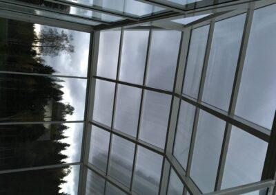 Kasvuhoone katus seest vaade